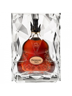 Hennessy HO Ice Cognac gift packaging with ice capacity and tongs